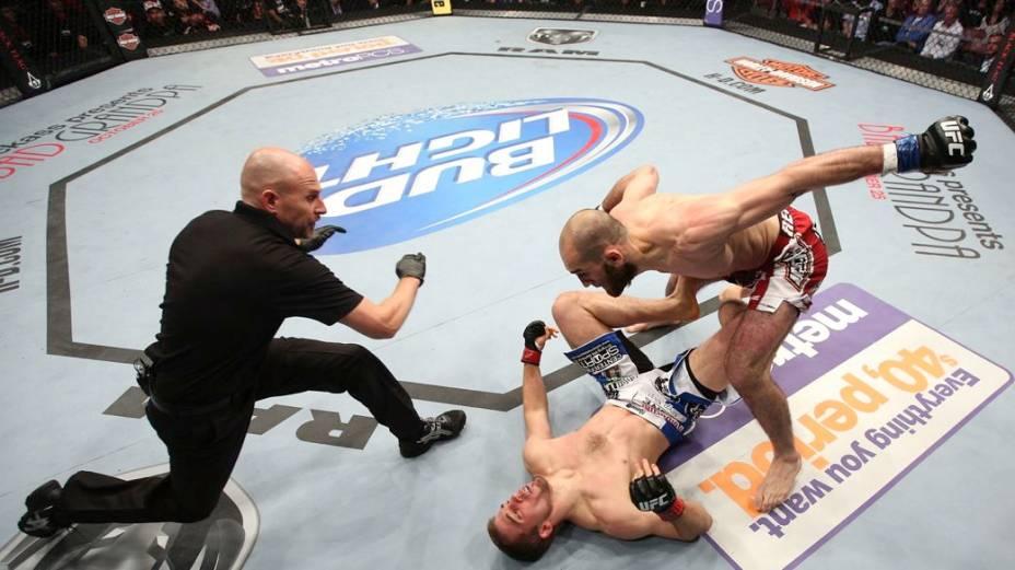 UFC 166: Waldburger x Amagov