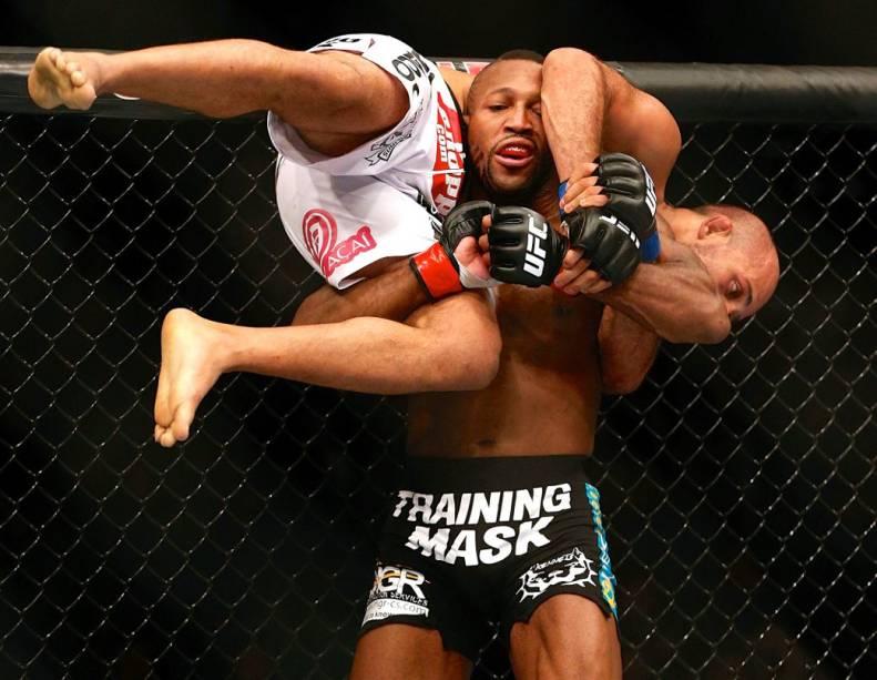 UFC 168: Siyar Bahadurzada x John Howard