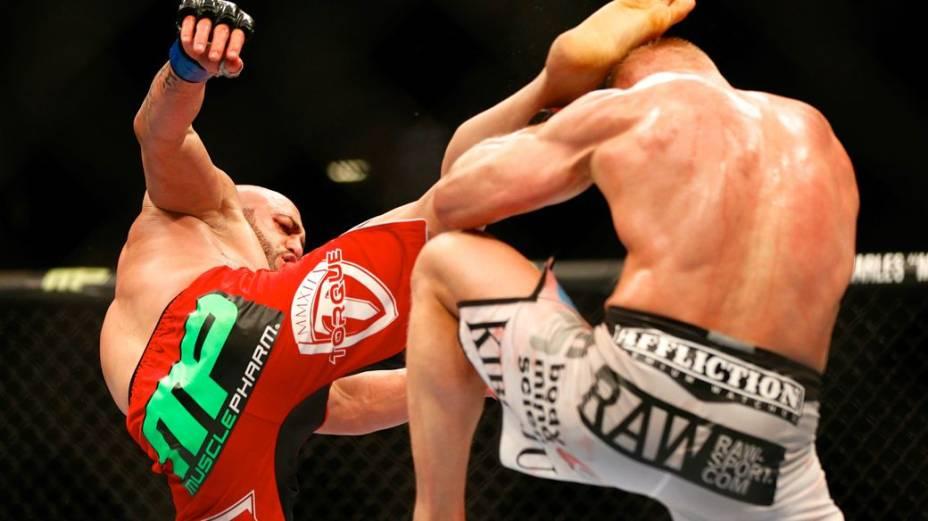 UFC 168: Dennis Siver x Manny Gamburyan