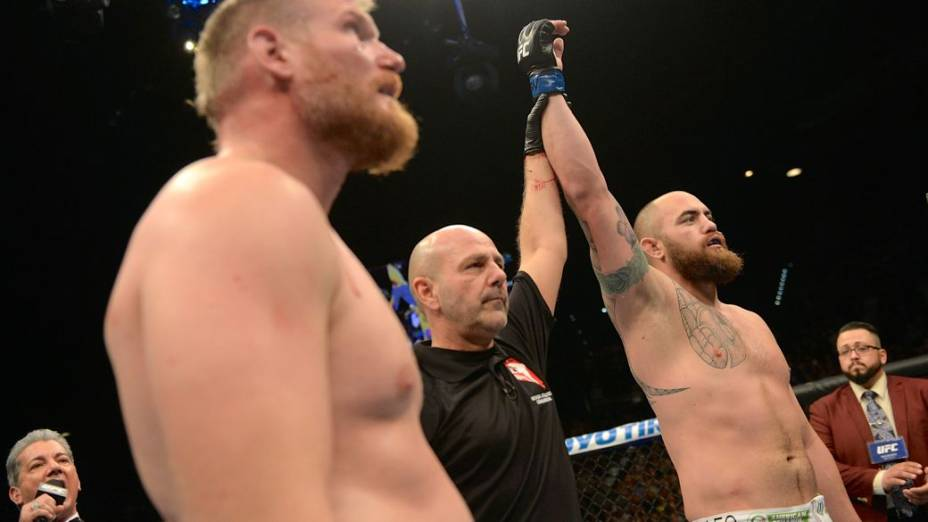 UFC 168: Travis Browne x Josh Barnett