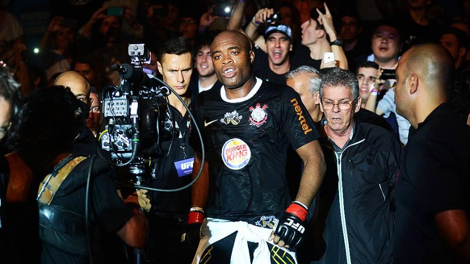 Anderson Silva entra para lutar com Stephan Bonnar na HSBC Arena, na Barra da Tijuca