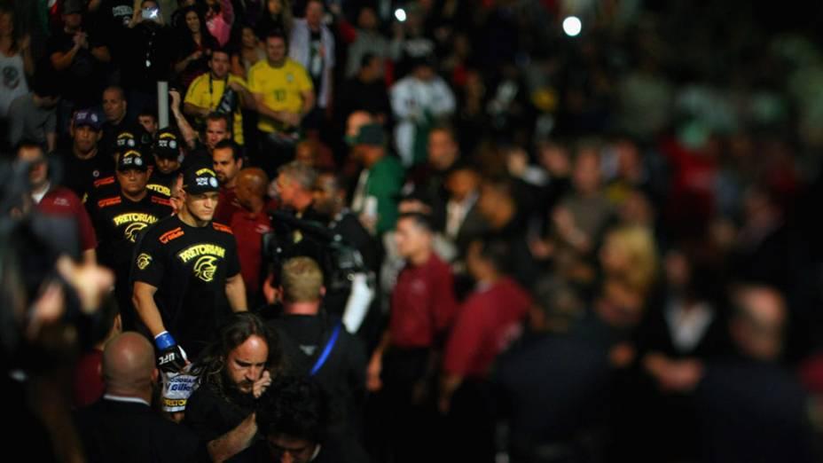 Junior Cigano chega para a luta do título, durante a edição do UFC - 12/11/2011