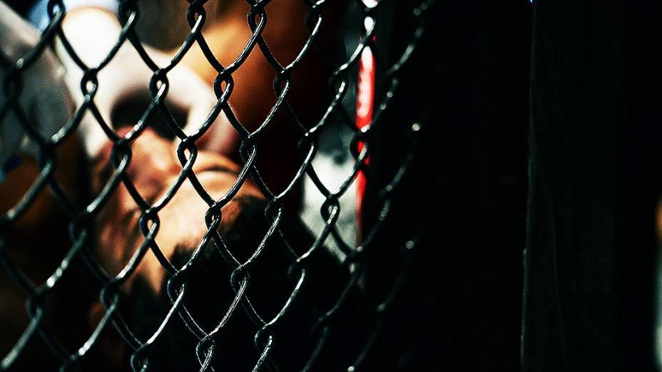 UFC Fight Night em Natal: lutador é atendido pelos médicos no octógono