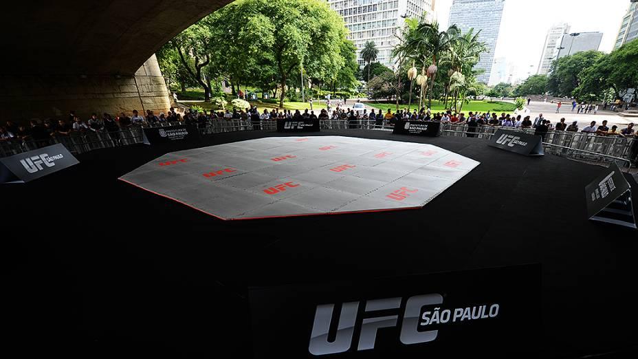 Treino do UFC no Vale do Anhangabaú, em São Paulo