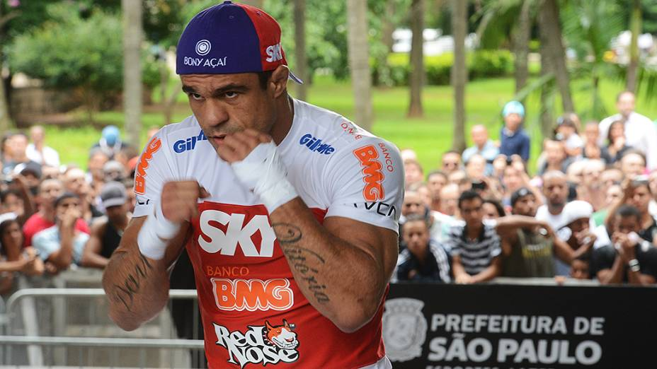 Vitor Belfort durante treino no Vale do Anhangabaú, em São Paulo