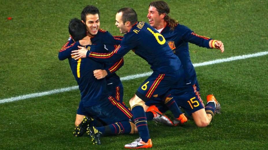 Rivais unidos na seleção espanhola: Fábregas, Iniesta e Ramos na Copa-2010