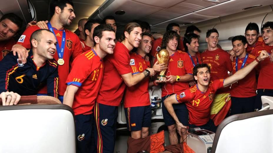 Rivais unidos na seleção espanhola: a volta da África do Sul com a taça