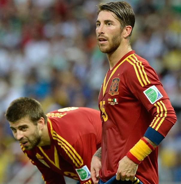 Rivais unidos na seleção espanhola: Piqué e Ramos