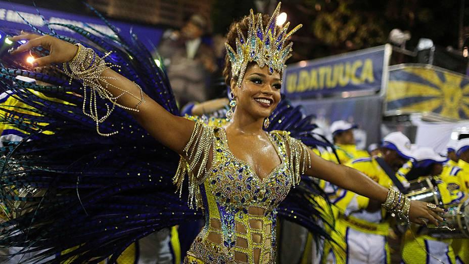 A rainha de bateria Juliana Alves durante desfile da escola de samba Unidos da Tijuca pelo grupo especial, na Marquês de Sapucaí
