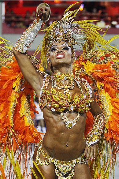 Ana Paula Evangelista musa da escola de samba Unidos da Tijuca durante desfile pelo grupo especial, na Marquês de Sapucaí