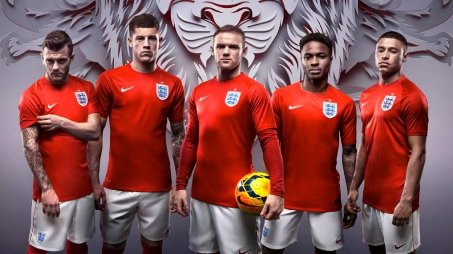 Novo uniforme da seleção inglesa para a Copa do Mundo de 2014, fabricado pela Nike