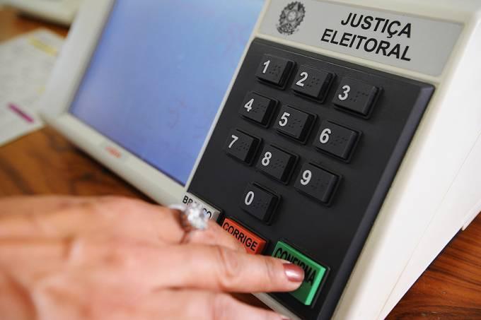 urnas-eletronicas-20121006-01-original.jpeg
