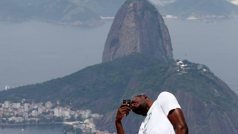 Usain Bolt visitou o Cristo Redentor na tarde desta terça-feira, 23