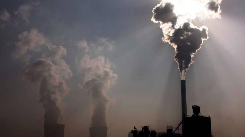 Usina termoelétrica em Baotou, China
