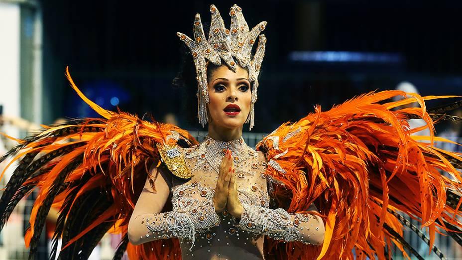 Camila Silva, rainha de bateria da Vai-Vai