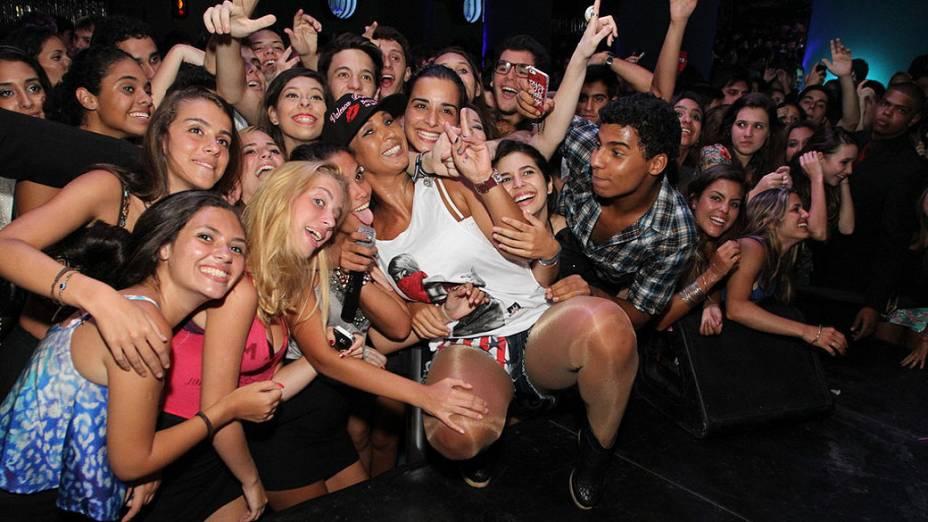 Valesca Popozuda causa tumulto em casa de show na Zona Sul do Rio de janeiro, na madrugada desta quarta-feira (08)