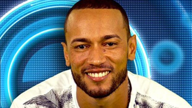 Valter, 32 anos, rapper de São Paulo (SP)
