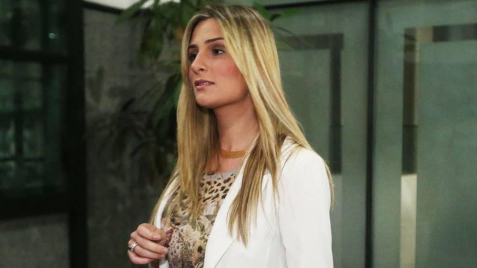 Vanessa Alcântara após depor no Ministério Público