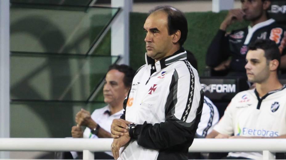 Ricardo Gomes, técnico do Vasco, durante partida contra o América, pelo Campeonato Brasileiro - 29/05/2011