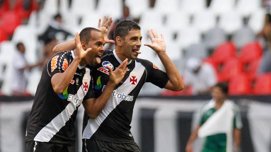 Alecsandro, do Vasco, comemora gol contra o Fluminense, em partida pelo Campeonato Brasileiro - 27/11/2011