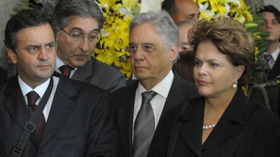 Aécio Neves, Fernando Pimentel, FHC e a presidente Dilma Rousseff no velório do ex-presidente Itamar Franco no Palácio da Liberdade, Belo Horizonte