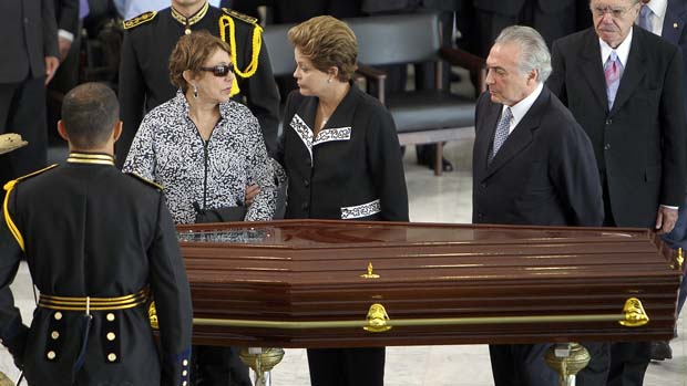 A Viúva de Oscar Niemeyer, Vera Lucia, Dilma Rousseff e Michel Temer, em Brasília