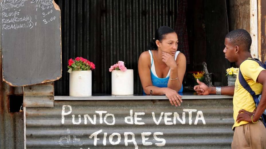 Venda de flores em Havana, Cuba