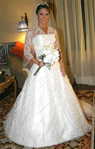 O vestido de noiva de Cláudia Leitte, assinado por Carlos Tufvesson para casamento de 2007