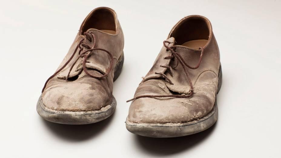 Sapatos utilizados pelo sobrevivente Roger Hawke durante a evacuação de uma das torres do World Trade Center