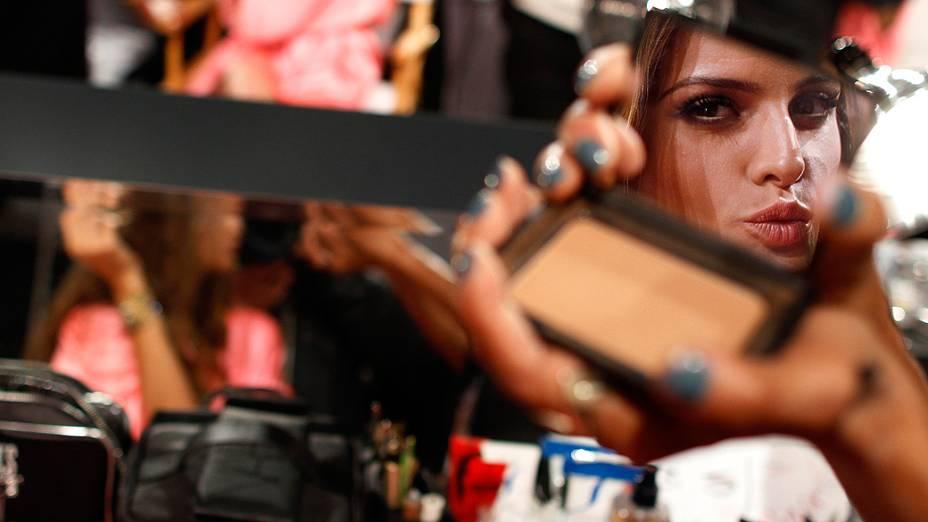Modelo nos bastidores do Victorias Secret Fashion 2012, Nova York