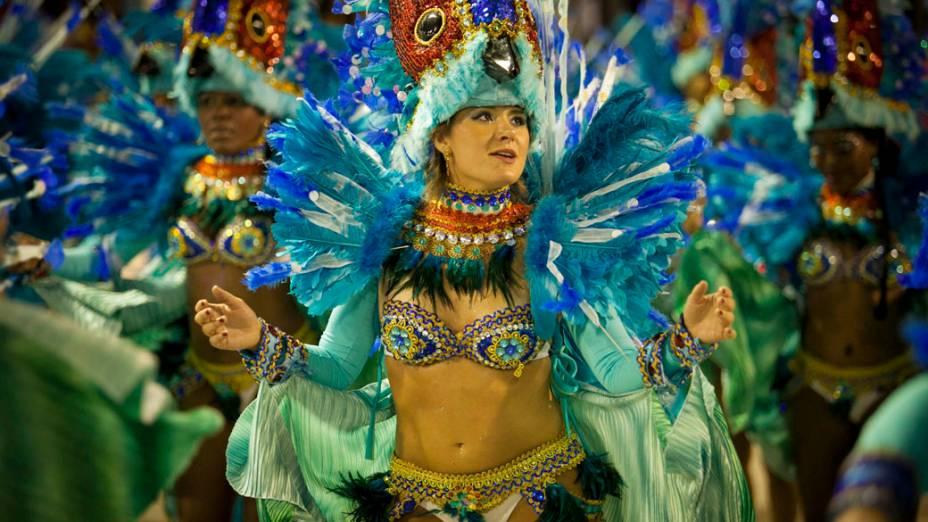 Destaque da Unidos de Vila Isabel durante desfile na Marquês de Sapucaí