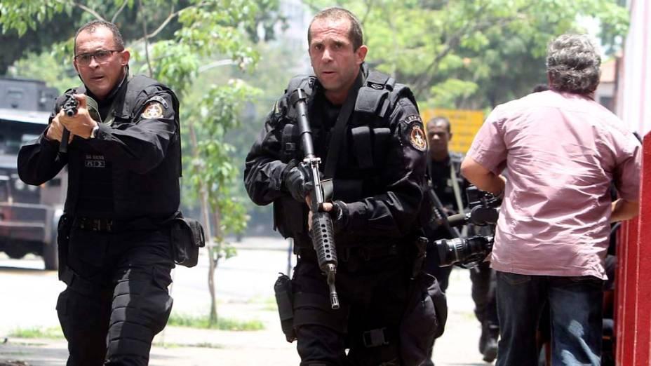 Na quinta-feira, dia 25 de novembro, PM na Vila Cruzeiro, Rio de Janeiro
