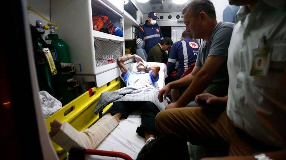 Motorista de ônibus ferido durante ataque é socorrido em Florianópolis