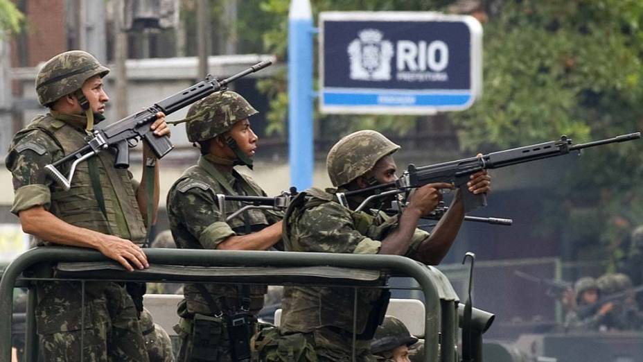 Soldados da Marinha no Complexo do Alemão, Rio de Janeiro - 26/11/2010