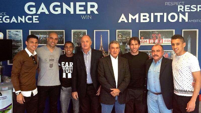 A visita de Felipão, Parreira e Murtosa à sede do PSG, na França: Thiago Silva, Alex, Lucas, Maxwell e Marquinhos conversaram com a comissão da seleção
