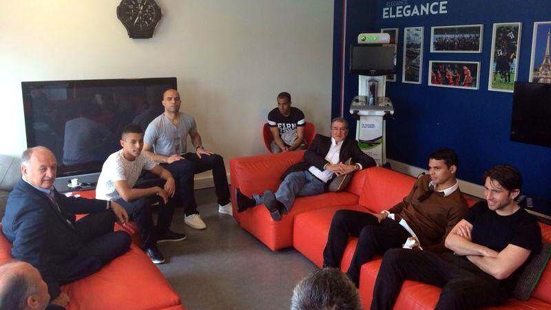 A visita de Felipão, Parreira e Murtosa à sede do PSG, na França