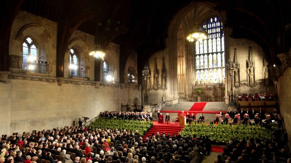 Papa Bento XVI fala com convidados no hall de Westminster. Londres, 17 de setembro de 2010.