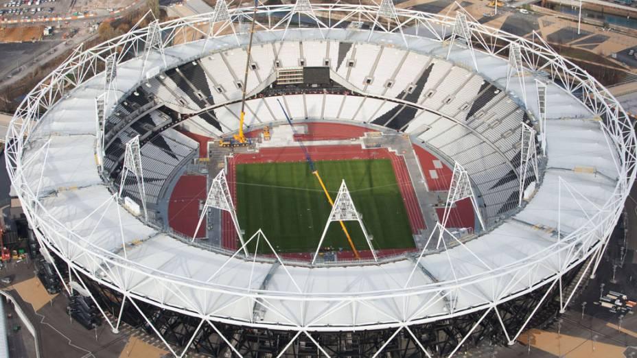 Estádio olímpico em vista aérea do Parque Olímpico que está em construção para as Olimpíadas de Londres em 2012