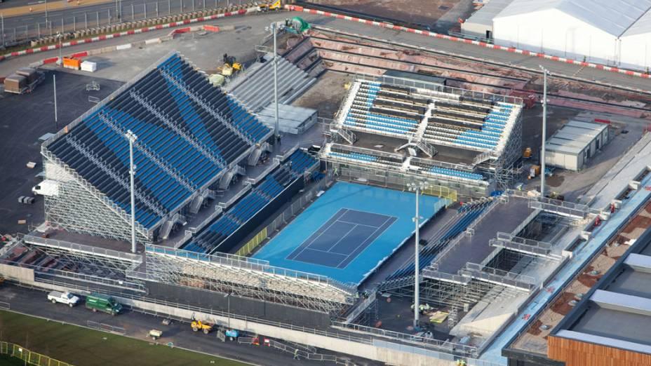 Quadra de tênis em vista aérea do Parque Olímpico que está em construção para as Olimpíadas de Londres em 2012