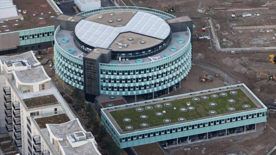 """Centro educacional """"Chobham Academy"""", que passará a funcionar após os Jogos, no Parque Olímpico que está em construção para as Olimpíadas de Londres em 2012"""