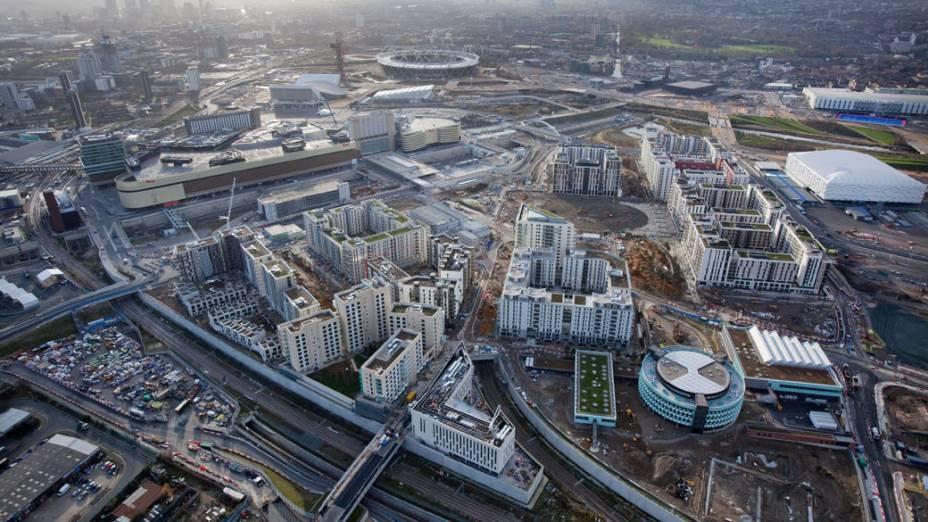 Vila olímpica em vista aérea do Parque Olímpico que está em construção para as Olimpíadas de Londres em 2012
