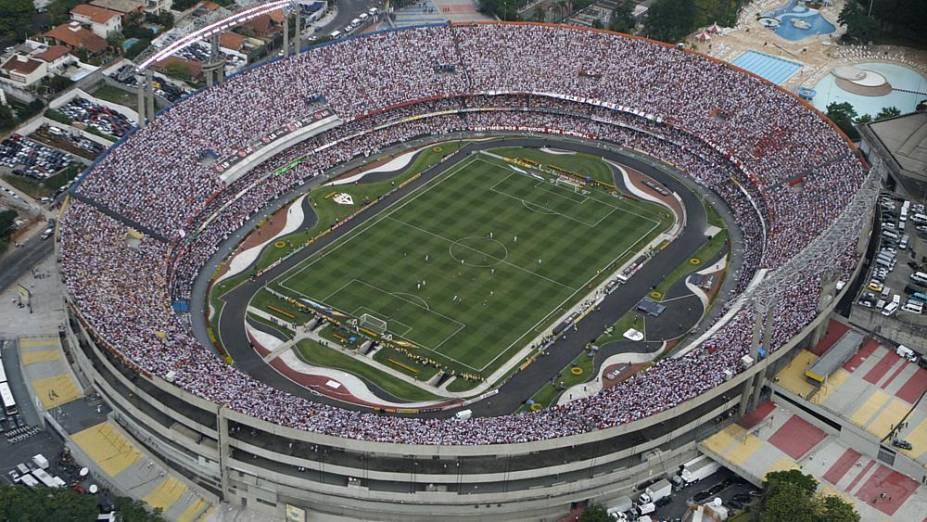 Vista aérea do estádio do Morumbi antes de sua reformulação