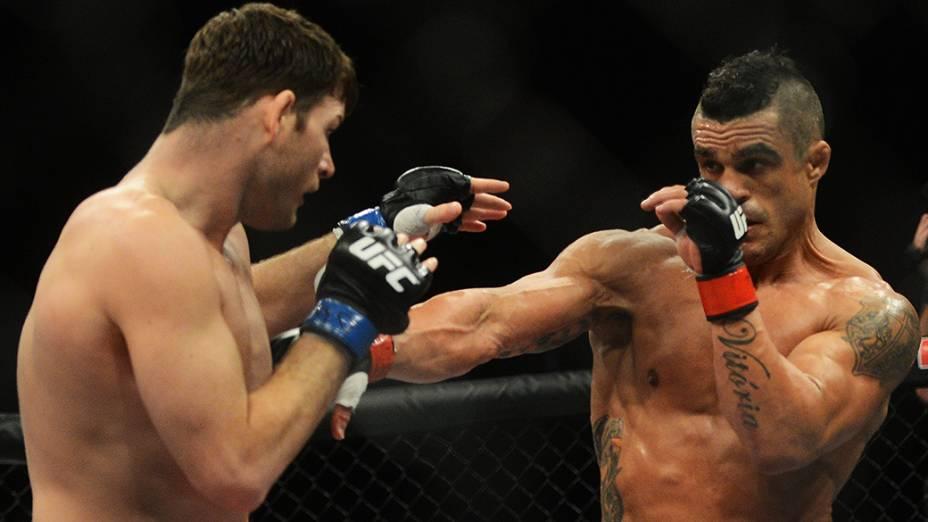 Vitor Belfort nocauteia Michael Bisping no UFC SP, no ginásio do Ibirapuera