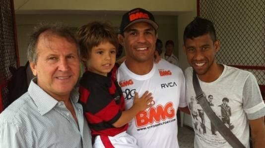 Em agosto de 2010, Vitor Belfort visitou o Flamengo, seu time do coração