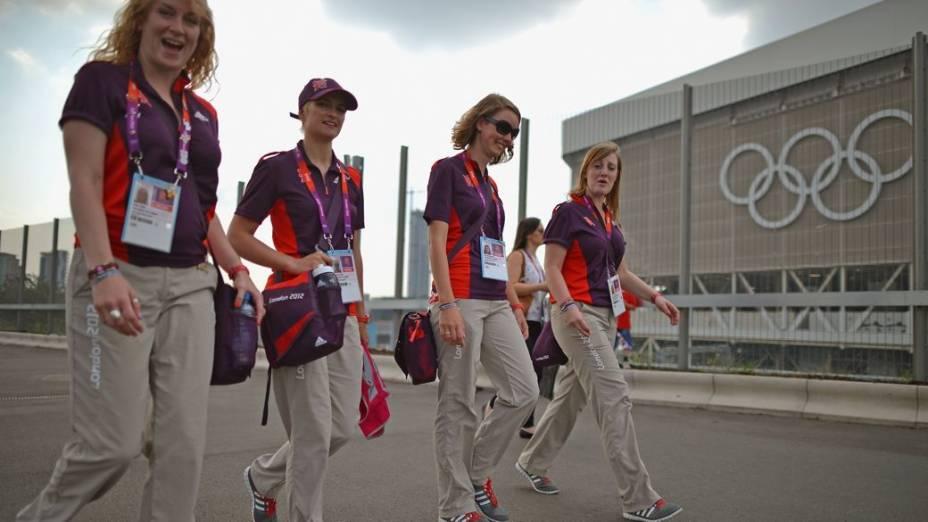 Voluntários no Centro Aquático de Londres, na Olimpíada de 2012