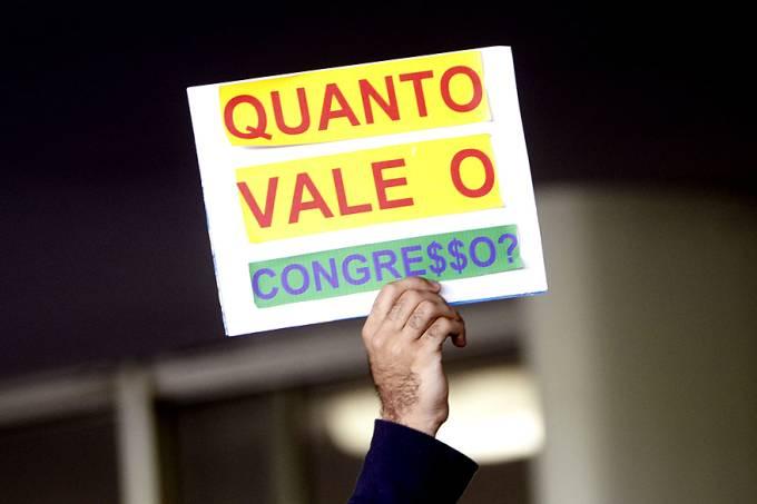 votacao-congresso-confucao-20141203-0018-original.jpeg