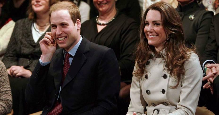 Kate Middleton e príncipe William assistem jogo no Centro da Juventude, Irlanda do Norte, março de 2011