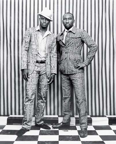 Malick Sidibé foi premiado na categoria Artes e Entretenimento - Foto Única com a série Fashion portfolio: Prints and the Revolution, Mali, que fez para a The New York Times Magazine.