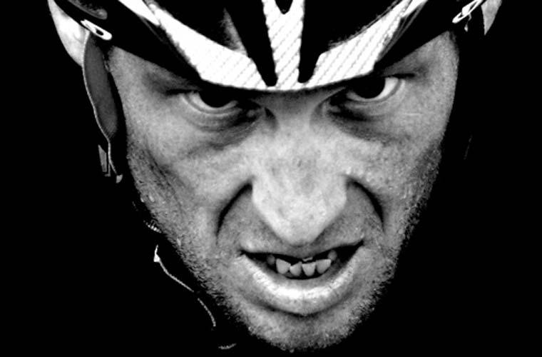 A americana Elizabeth Kreutz venceu na categoria Especiais de Esporte - Histórias com a imagem da volta de Lance Armstrong ao ciclismo.