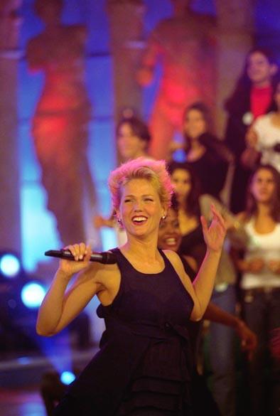 Xuxa durante o programa Planeta Xuxa, 1999